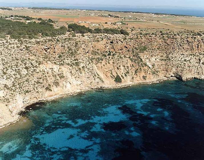balearic-islands-formentera-cala-codola-01