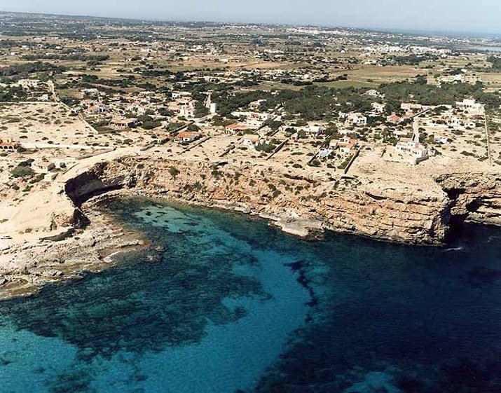 balearic-islands-formentera-cala-en-baster-01