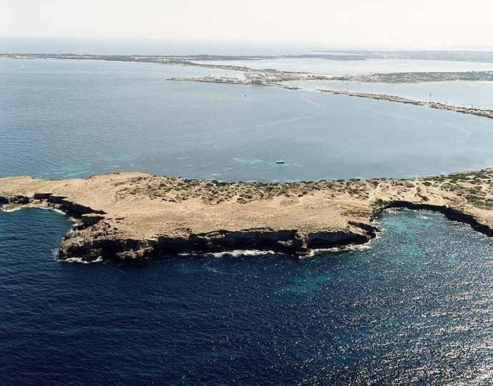 balearic-islands-formentera-calo-des-moro-01