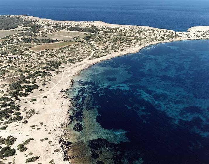 balearic-islands-formentera-calo-des-oli-01