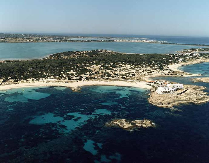 balearic-islands-formentera-es-pujols-01
