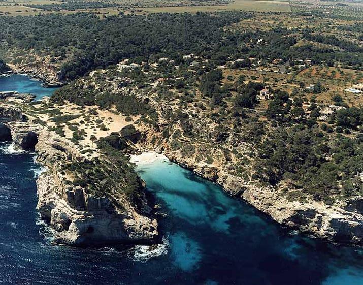 balearic-islands-mallorca-santanyi-calo-des-moro-01